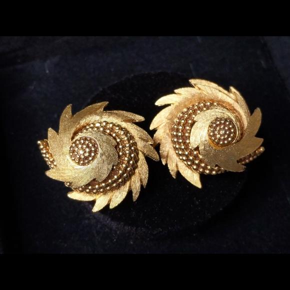 Vintage Boucher Swirl Gold Tone Earrings